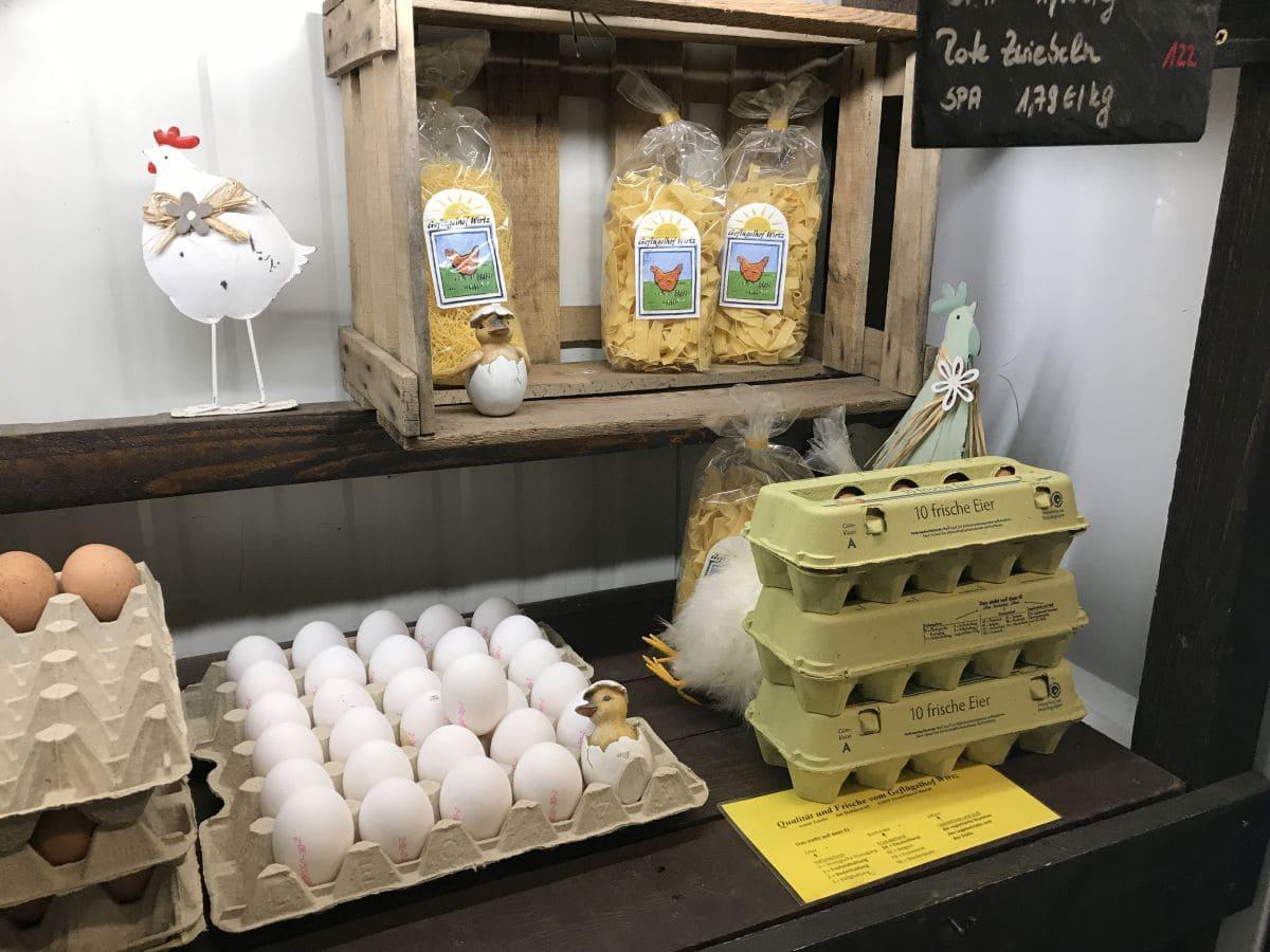 Eier und Nudeln