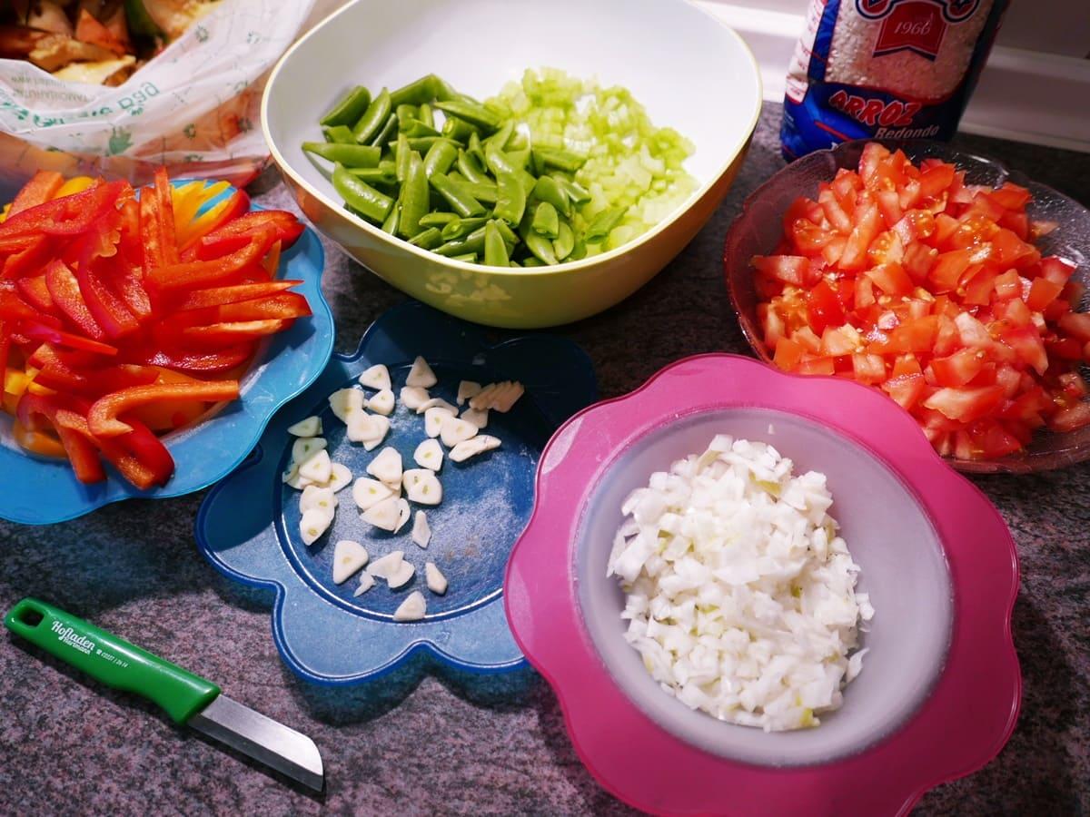 Gemüse-Paella Schnippelarbeit